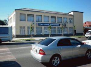 """ТОРГОВЫЙ КОМПЛЕКС, 2ой этаж, г. Славянск-на-Кубани, ул. Школьная 318 """"МИР ШВЕЙНЫХ МАШИН"""""""