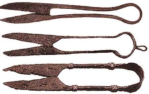 старые ржавые ножницы
